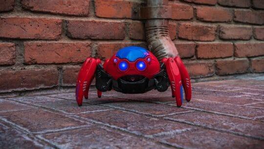 Spider-Bot : le nouveau jouet Marvel interactif du Avengers Campus !